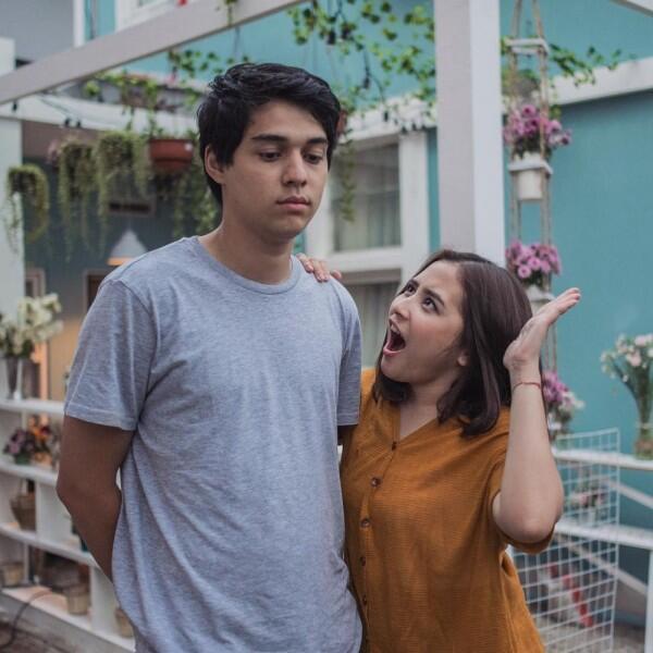 Dikenal Supel, Potret Kedekatan Prilly Latuconsina dan 10 Aktor Muda
