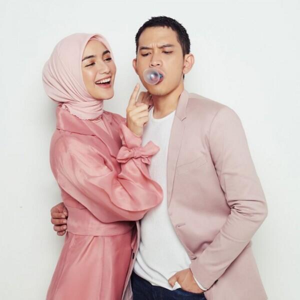 Resmi Menikah, 9 Potret Perjalanan Kisah Cinta Rezky dan Citra Kirana