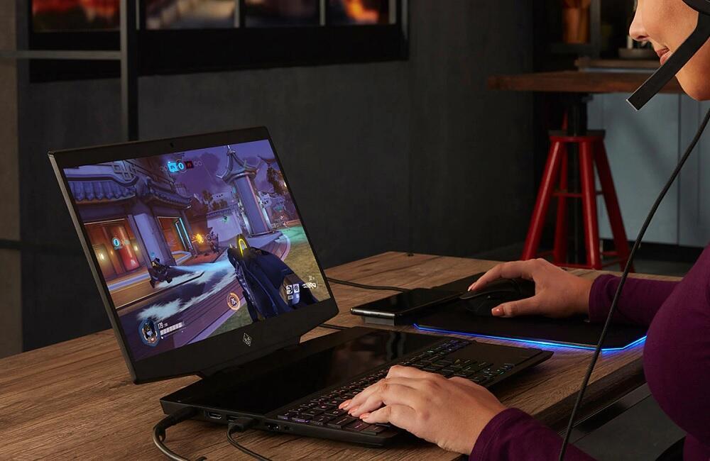 Apa Sih Enaknya Main Game Pakai Laptop Gaming?