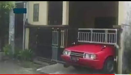 Punya Mobil Gak Punya Garasi? 8 Gambar Garasi Ini Bisa Bikin Orang Bunuh Diri!