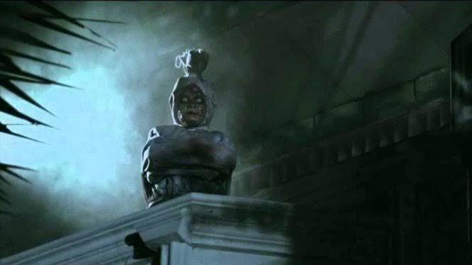 Hantu Pocong sebagai Penglaris Warung Makan! Kenali juga Ciri-cirinya, Gansist?