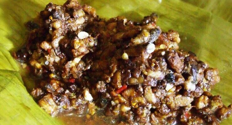 7 Makanan Khas Indonesia yang Terbuat dari Serangga!
