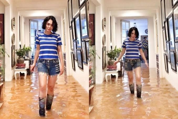 Yuni Shara Tampil Modis Ketika Banjir Di Rumahnya, Waww Seksi Gan