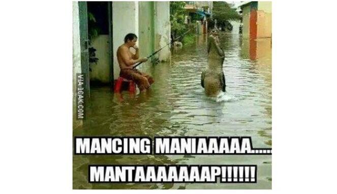 Kocak! Meme saat Banjir ini Bikin Ngakak, ada Duyung Terdampar