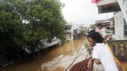 Mobil Ketua MPR Terendam, Anies Sebut Kemang Tak Banjir