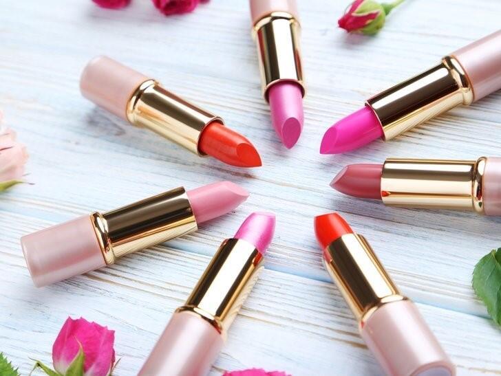 Lipstcik, Lip Tint, Lip Cream, dan Lip Gloss, Bedanya Apa? Kenali Perbedaannya Yuk!
