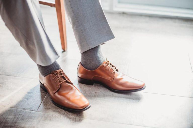 Tips Bersihkan Sepatu Kulit Biar Sepatumu Tetap Kinclong!