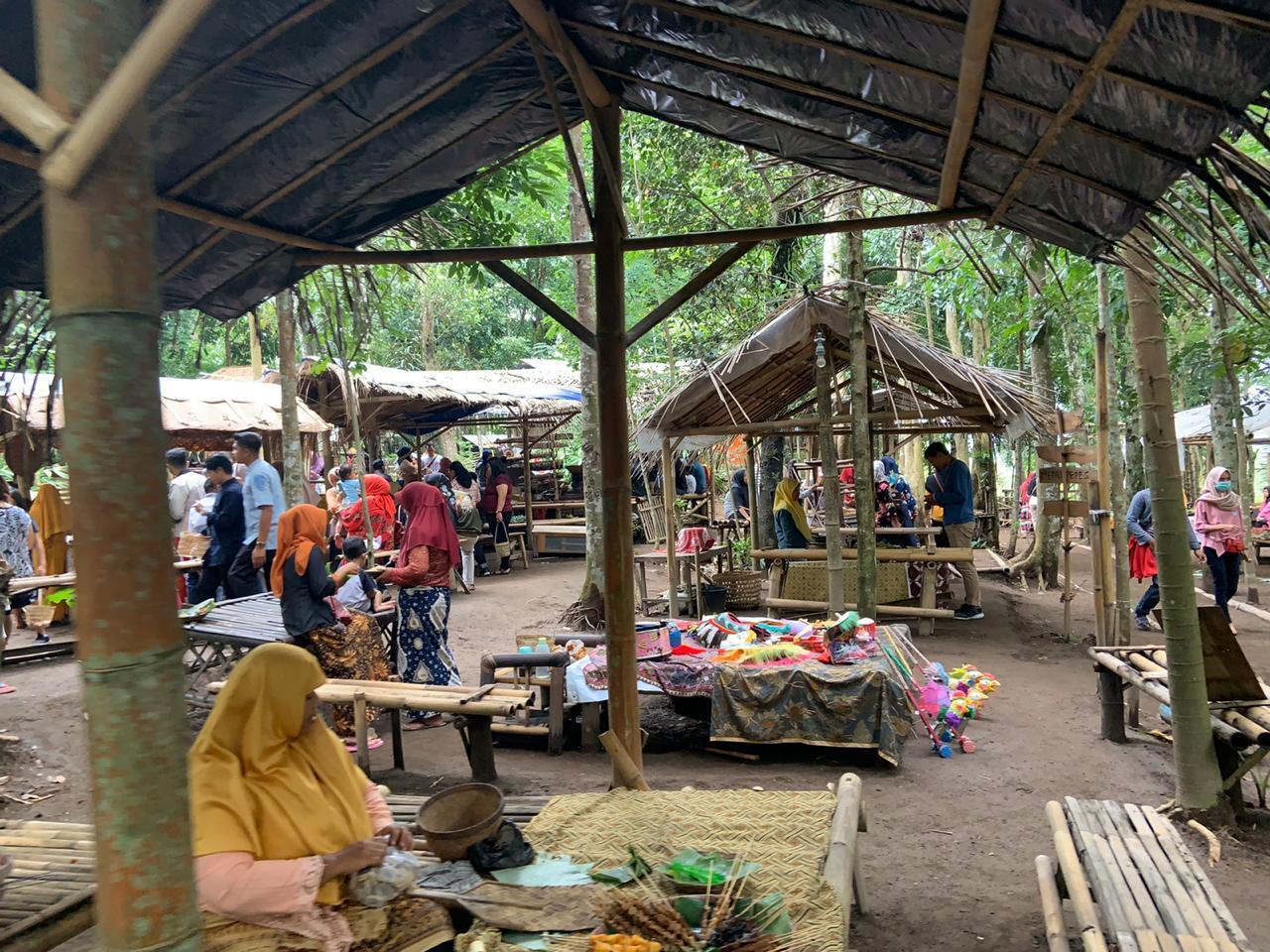 Pasar Tradisi Lembah Merapi, Setiap Minggu Pagi