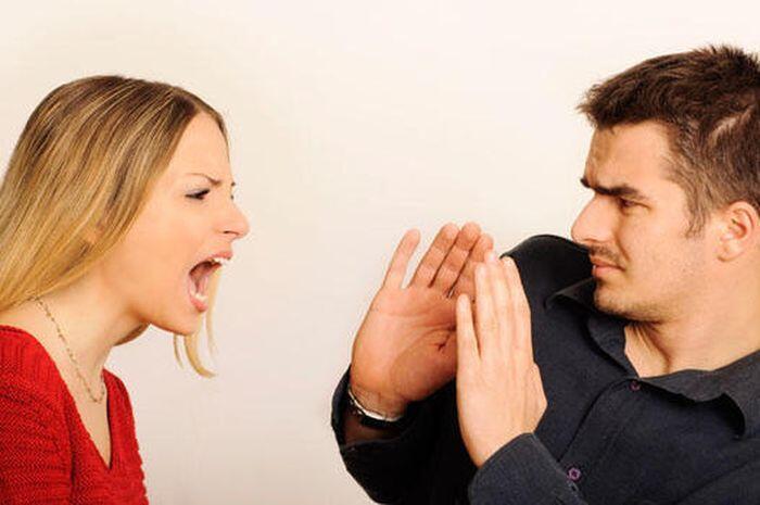 8 Cara Meredam Konflik dengan Suami No 6 Terasa Berat, Benarkah?