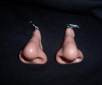 Wow! Mau Beli Anting Antimainstream yang Terinspirasi dari EarPod Kusut Ini?