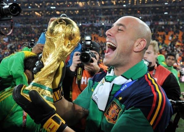 Resmi ke Aston Villa, Pepe Reina Ramaikan Panggung Pemain Spanyol di EPL