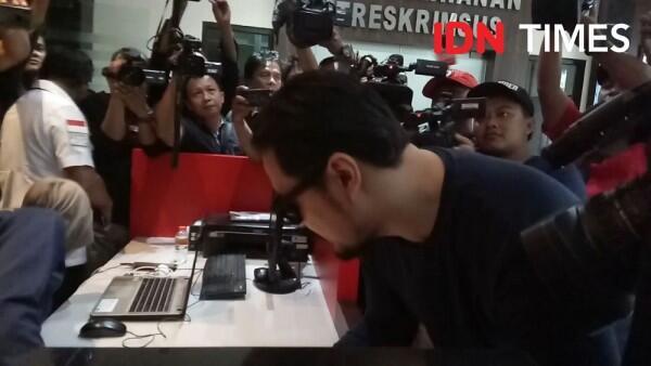 Kasus Investasi Bodong MeMiles, Penyanyi Ello Diperiksa Polda Jatim