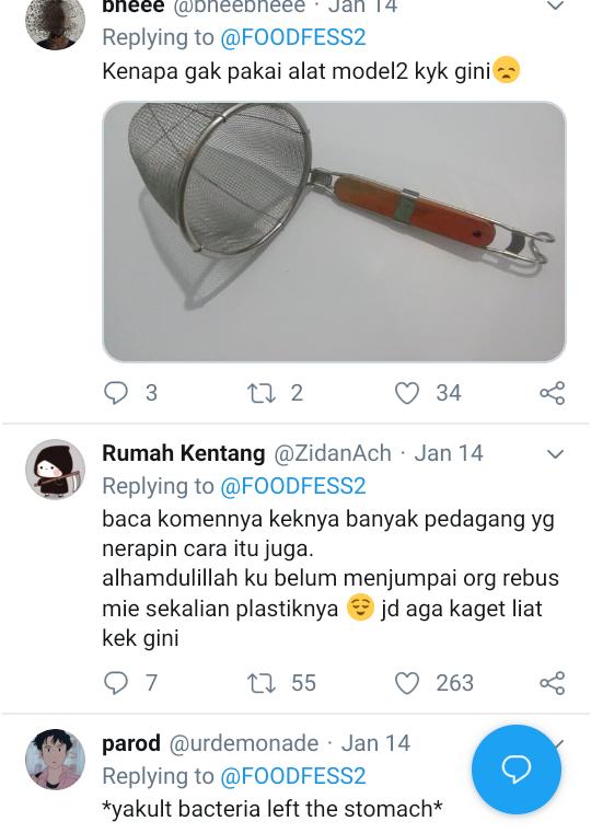 Heboh di Twitter Penjual Bakso Merebus Mie Instan Beserta Plastiknya, Ini Berbahaya!