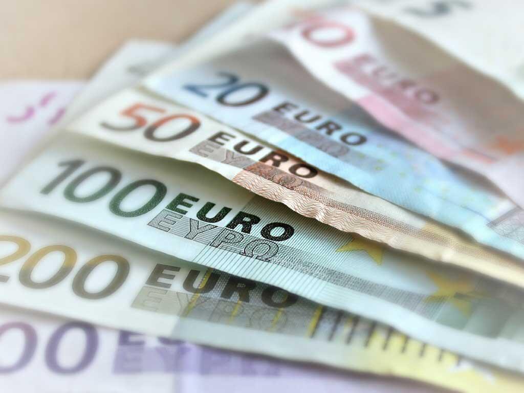 JELANG PERTEMUAN BOJ & ECB, YEN & EURO BERGERAK STABIL