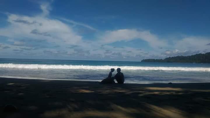 Pesona Pantai Undi, Distrik Masni, Manokwari, Papua Barat