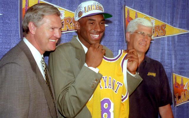 Dunia Berduka, Legenda Los Angeles Lakers Kobe Bryant Meninggal Dunia