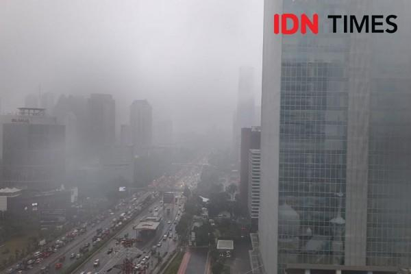 Diguyur Hujan Sejak Minggu Malam Cipulir Banjir Hingga 110 Centimeter