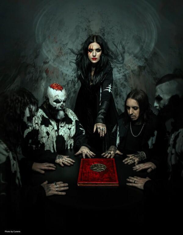 5 Fakta Lacuna Coil, Band Gothic Metal asal Italia yang Sangar