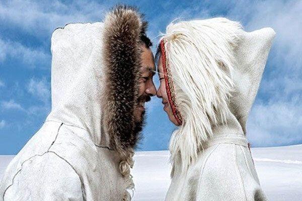 7 Fakta Eskimo Kiss yang Jarang Orang Ketahui, Ternyata Bukan Ciuman!