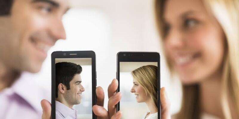 Cari Pasangan Via Apps Jadi Sumber Kebahagiaan!