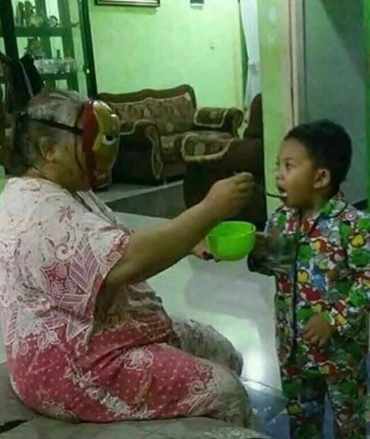 10 Kelakuan Polos Anak Kecil Ini Dijamin Bikin GanSis Tersenyum Hingga Terbahak-bahak