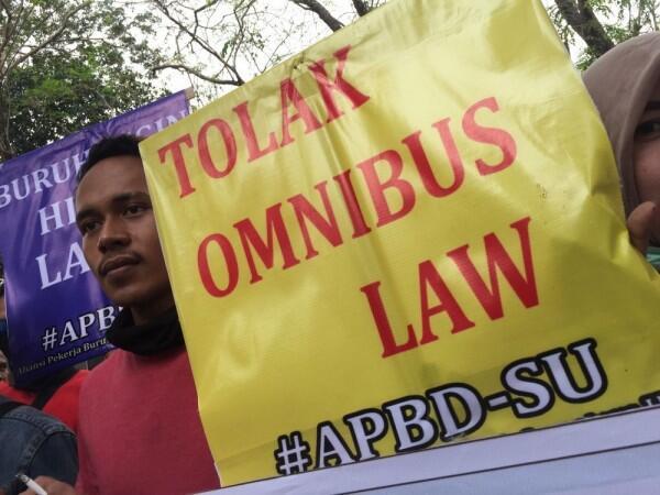 Serikat Buruh Nilai Cara Pemerintah Sampaikan Wacana Omnibus Law Buruk