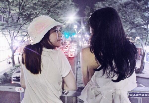 Jarang Terekspos, Intip 10 Potret Kompak Cassandra Lee & Kakaknya