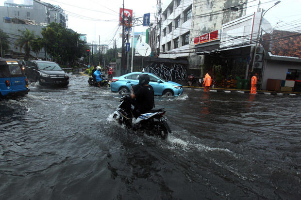 Air Pasang Laut Perparah Genangan di Jakarta