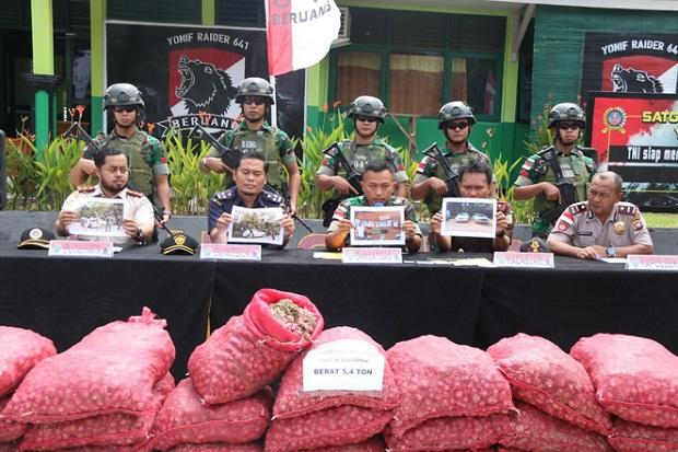 Satgas Perbatasan RI-Malaysia Gagalkan Penyeludupan Bawang Merah 4,5 Ton