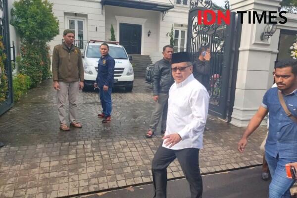 Melayat ke Rumah Duka Gus Sholah, Sekjen PDIP Datang Tanpa Megawati