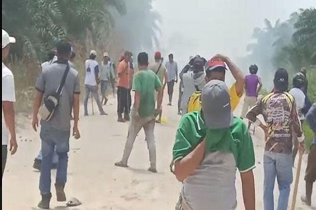 Eksekusi Lahan Sawit, 3 Polisi dan 3 Warga Terluka