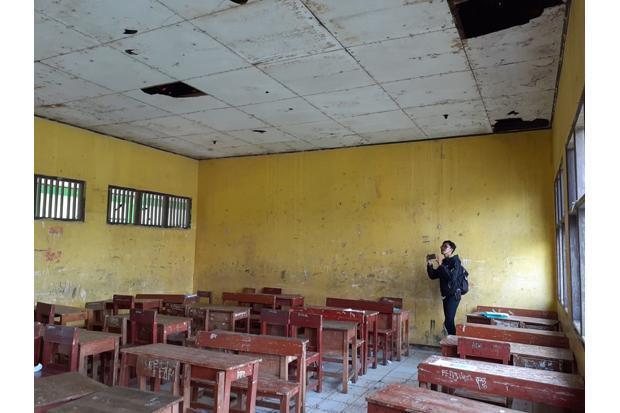 Sekolah Rusak Akan Direhab, Bupati Bekasi Minta Masyarakat Bersabar