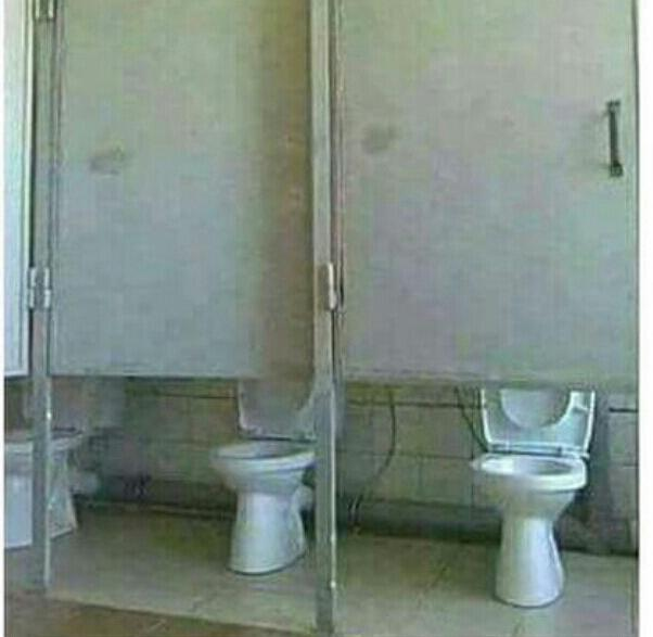 Bikin Ngakak! 7 Desain Toilet Paling Absurd