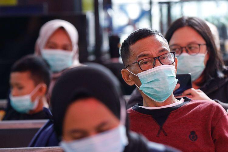 Perawat Pasien Corona Cuma Bisa Peluk Anaknya Lewat Angin Dari Jauh