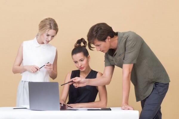 5 Tanda Seseorang Memiliki Keterikatan dalam Pekerjaan