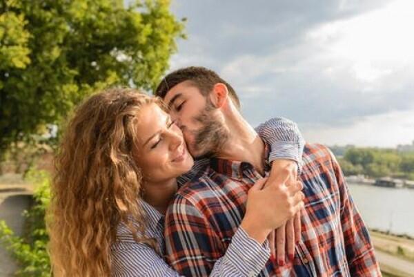 5 Bukti Nyata Kalau Kamu Terlanjur Diperbudak oleh Cinta