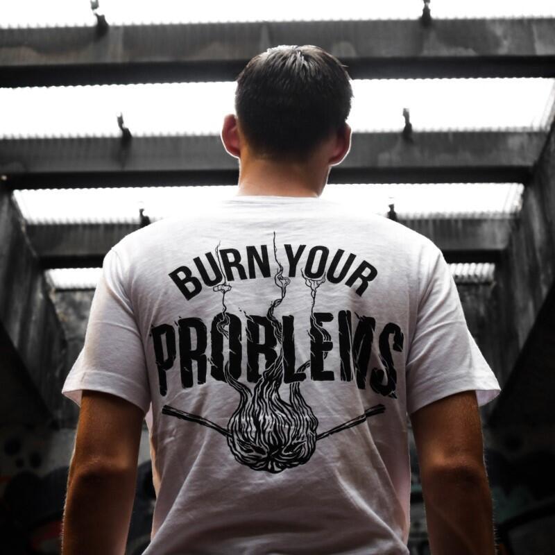 Suka Graphic T-Shirt? Berikut Tips Buat Agan Biar Tampil Kece dengan Graphic T-Shirt!