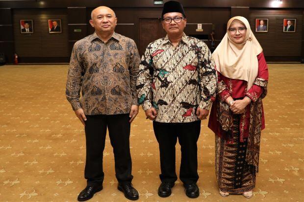 Perkuat Internal, Menkop UKM Lantik Arif Rahman Sebagai Deputi SDM