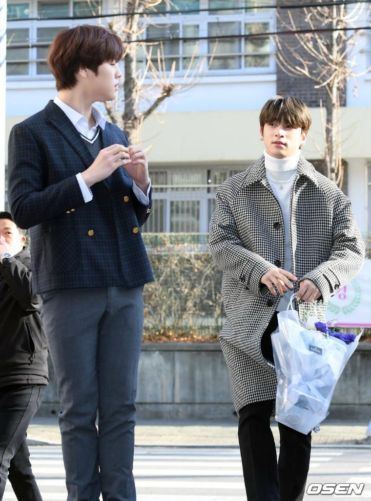 Congraduations!! Intip Momen Manis Kelulusan SMP Nam Do Hyon Bareng Lee Han Gyul