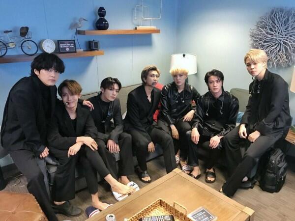 Penuh Makna, Ini Lirik Lagu BTS Black Swan yang Menyentuh