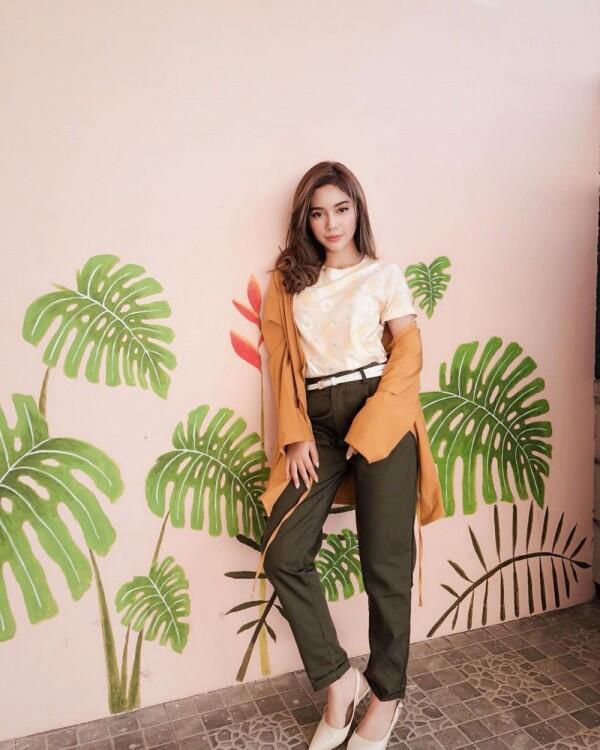 10 Potret Casual Style ala Fay Nabila, Gaya Masa Kini yang Cute Abis!