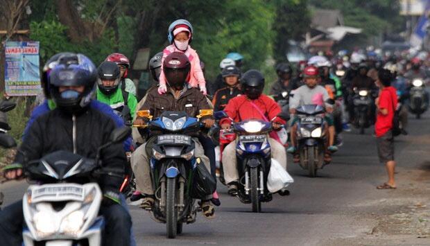 Untuk Para Pemotor, Hindari Kebiasaan ini Saat Berkendara, Bahaya!