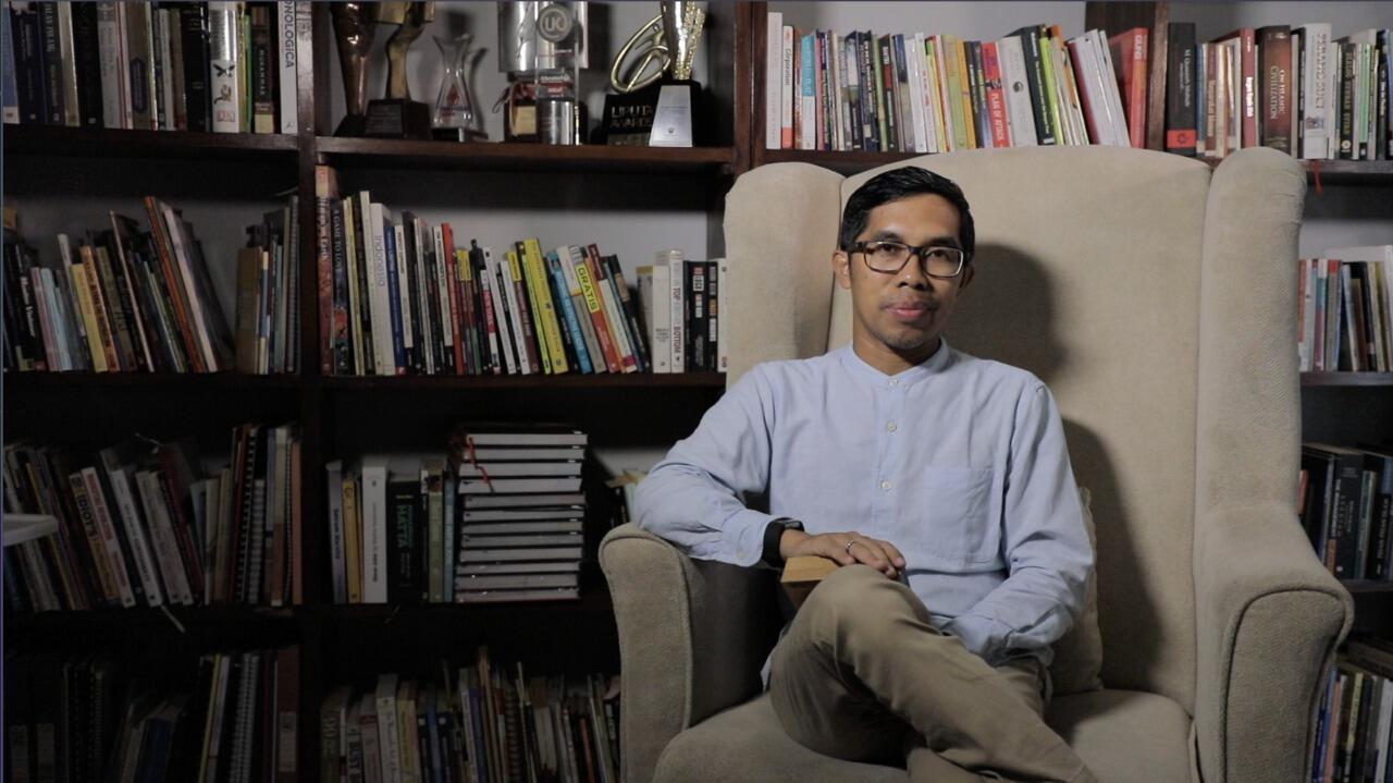 Berkat Film 'Ranah 3 Warna', Arbani Yasiz Bisa Bertemu Ahmad Fuadi