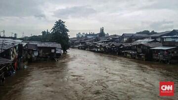 Ratusan Rumah di Manggarai Terendam Banjir Hingga Satu Meter