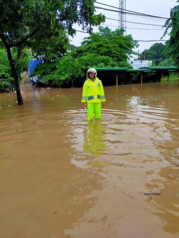 Waspada Banjir! Jakarta Hari Ini akan Diguyur Hujan Hingga Malam
