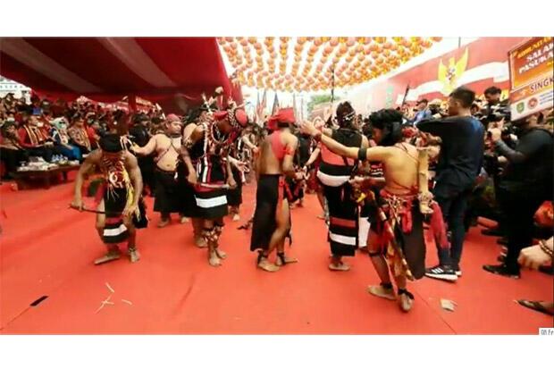 Dibuka Menteri Agama, Pawai Cap Go Meh 2020 di Singkawang Meriah
