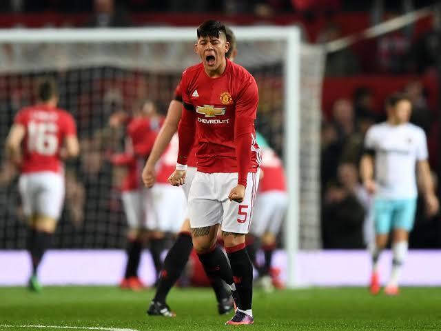 5 Alasan Manchester United Pinjamkan Marcos Rojo ke Estudiantes
