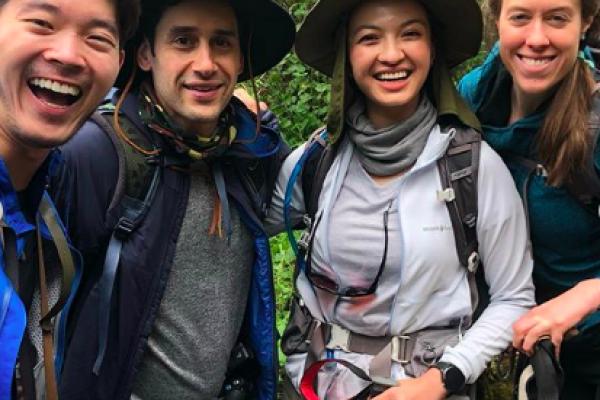 Keluar Zona Nyaman, 9 Momen Raline Shah Mendaki Gunung Kilimanjaro