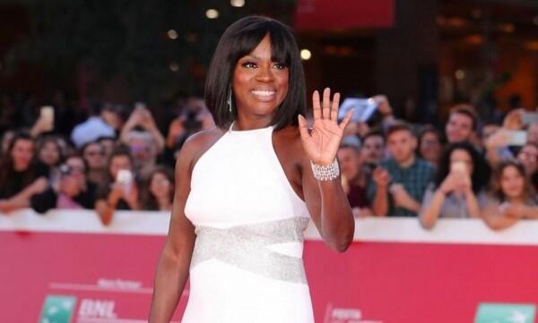 """Viola Davis Perankan Michelle Obama dalam Serial TV """"First Ladies"""""""