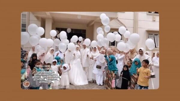 Sah! 10 Momen Akad Nikah Aghnia Punjabi danReinukky Abidharma